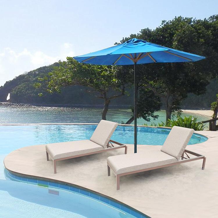 chaise longue de piscine chaises longues meubles de jardin