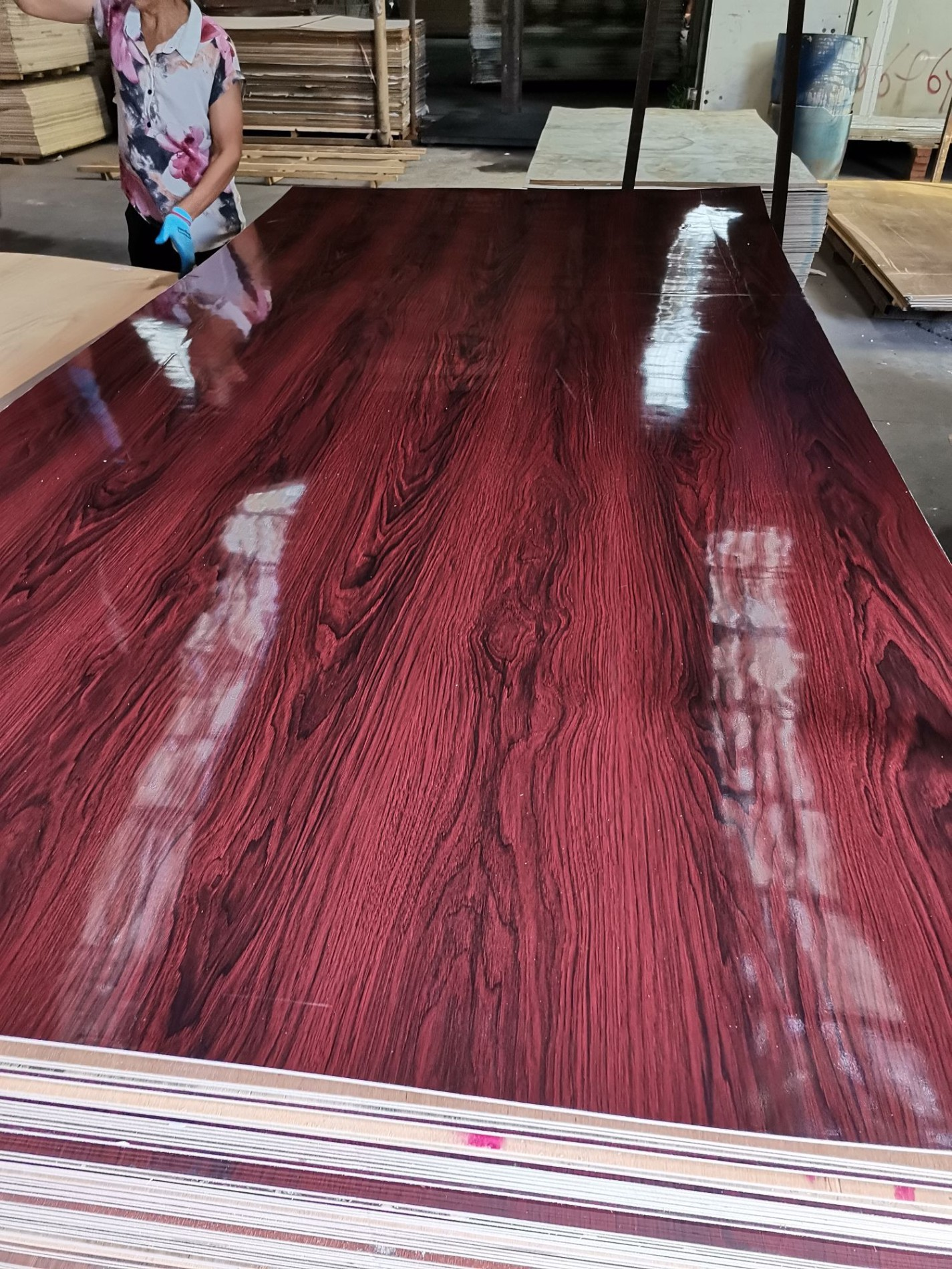 Red Fancy polyester plywood Manufacturers, Red Fancy polyester plywood Factory, Supply Red Fancy polyester plywood