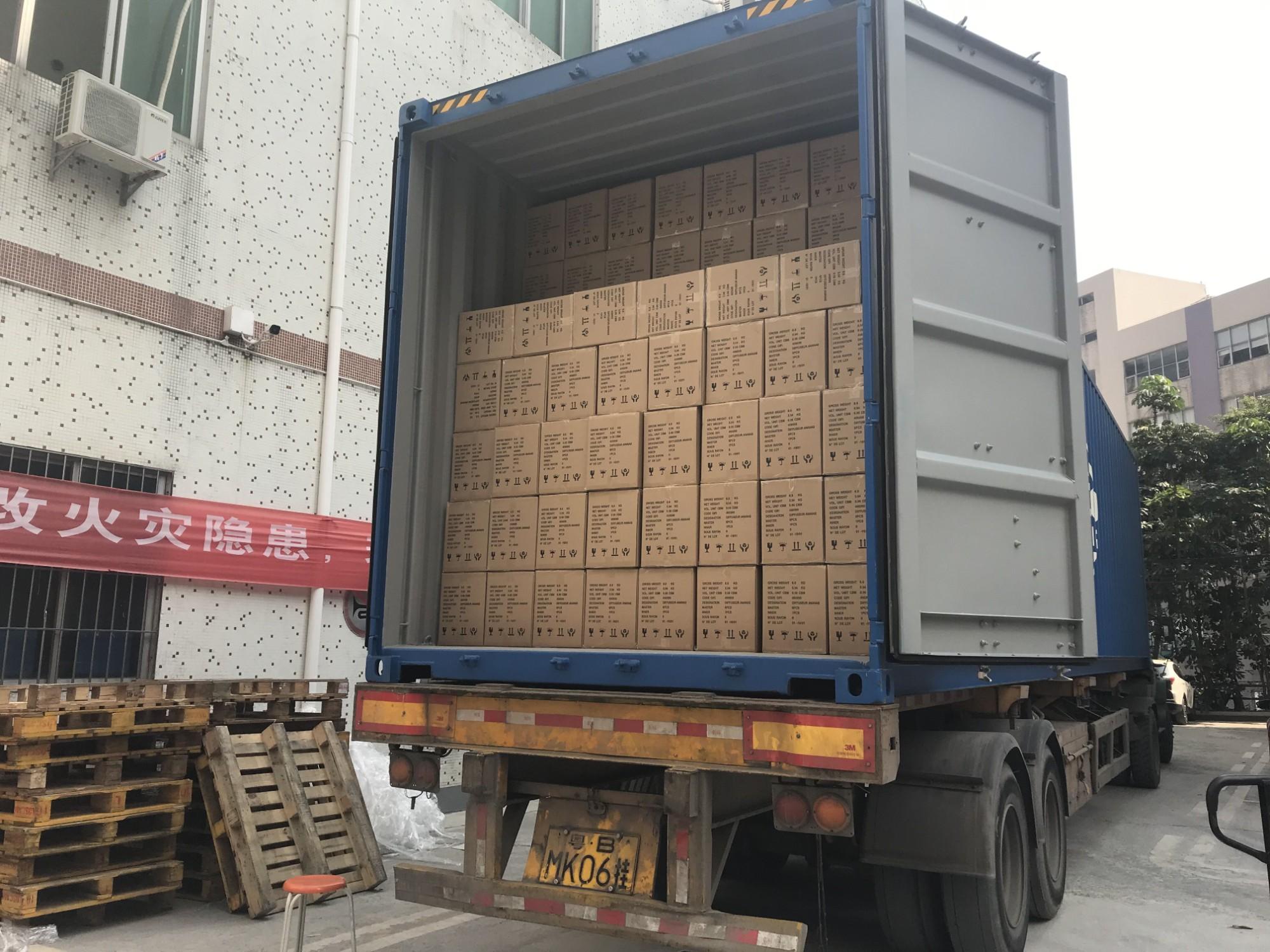 Paket und Versand
