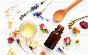 Essential oils with Face Mask