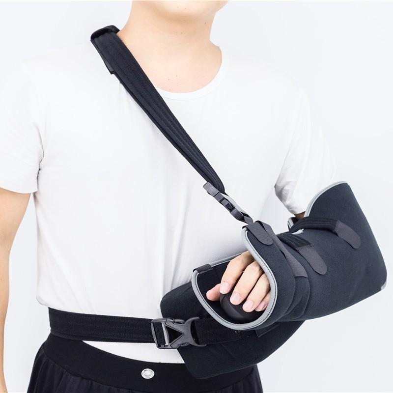 Подушка-перевязь с отведением плеча при переломе руки