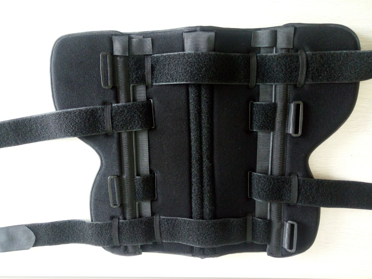knee immobilizer with adjustable Velcro straps
