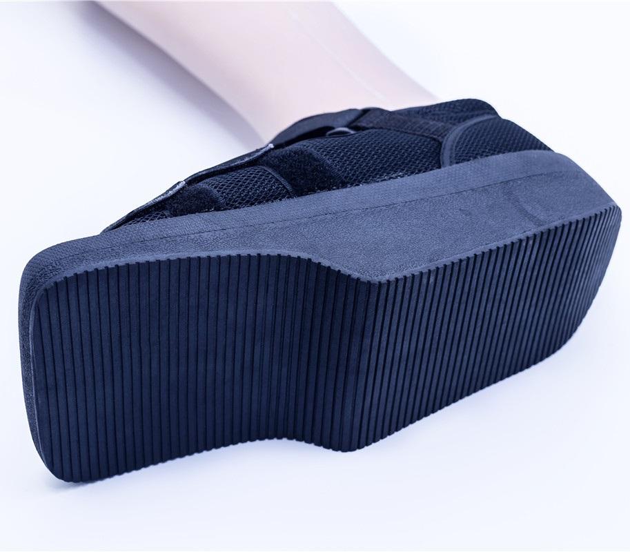 Off-loader heel shoes