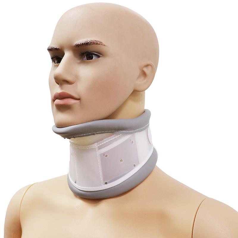 Halskragen aus starrem Kunststoff mit Kinnstütze