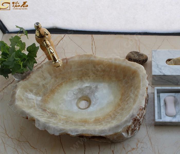 Honey Onxy Wash Basin with Nature Outside