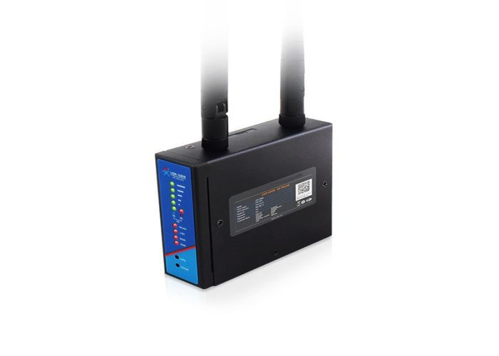 What is the use of hardware protection for 4G industrial routers?