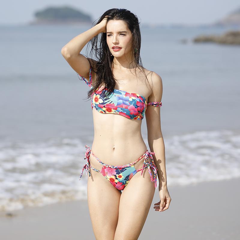 swimsuit,swiming,bikini