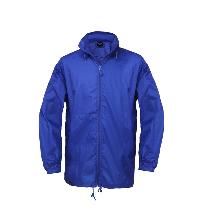 Difference between polyester fabric and nylon fabric for rain jacket