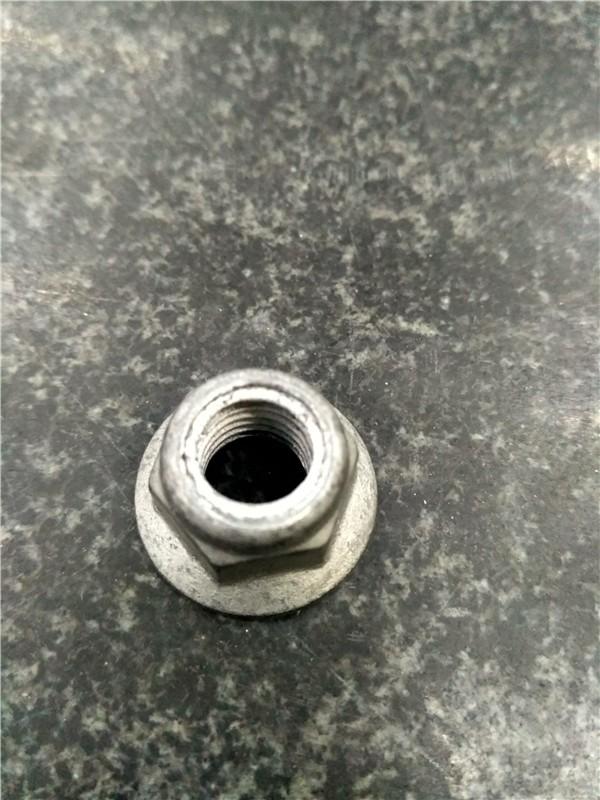 Porca Flange serrilhada Nylon M10X1.5 Cl8.8 Dacromet Gr4 Porca de fixação de nylon