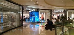 90 degree LED Screen for Shopping Mall