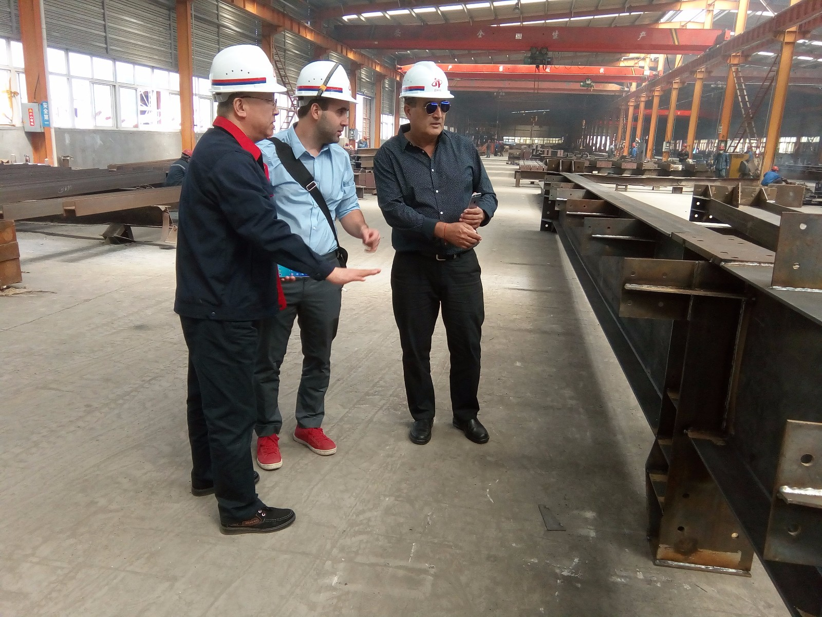 ​The client visit our factory