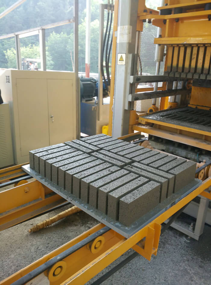 QF700 Hollow Block Making Machine