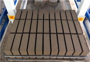 Brick machine production line is applied to building blocks, municipal floor tiles and dock bricks