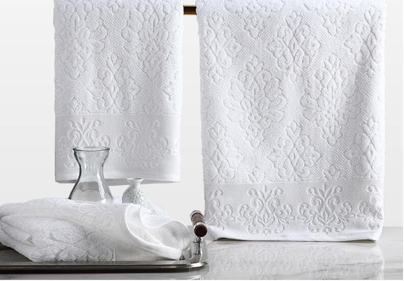 hotel towel (2).jpg