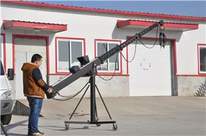The application of the camera crane technology in the data film and TV series
