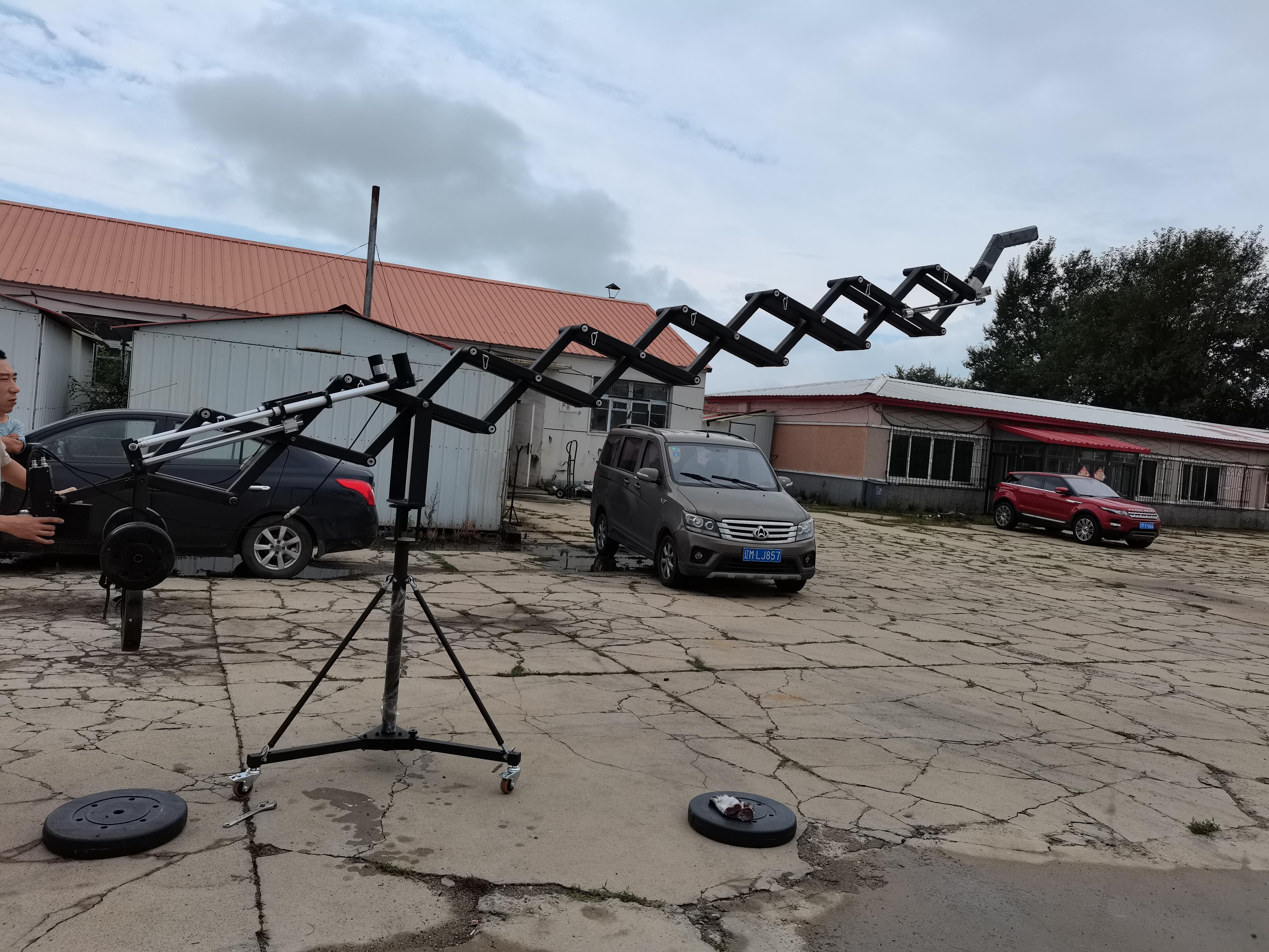6 Meters 30Kgs Payload Motorized Telescopic Scissors Camera Crane