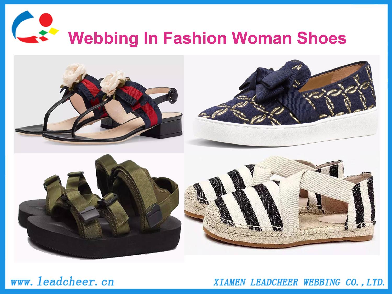 鞋子(带字带框).jpg