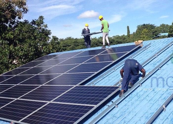 MG Solar 780KW نظام تركيب السقف المعدني الموجود في كولومبو ، سريلانكا