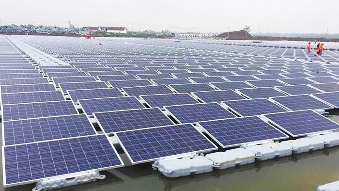 Demostración del producto: sistema de montaje flotante solar