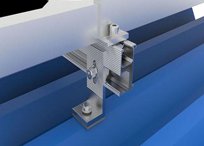 Processo di produzione per montaggio a piede MG Solar L