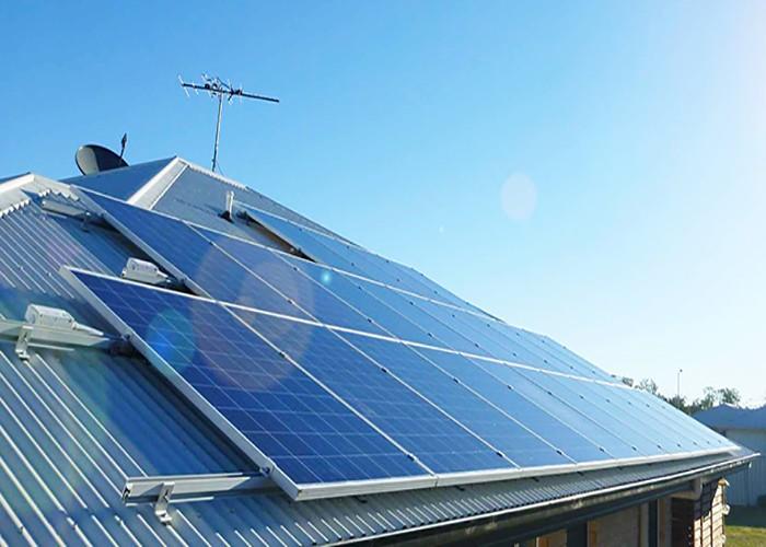 Structure de montage de panneau solaire de toit en métal de 50 kilowatts en Espagne