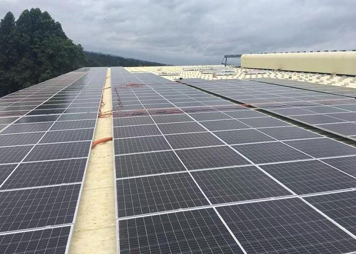 Sistema de montagem de painel solar de telhado de metal de 2000KW concluído na Tailândia
