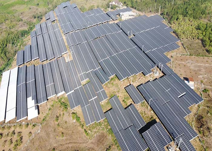 일본의 5000KW 태양 광 알루미늄 접지 시스템