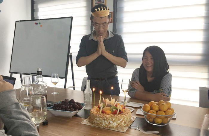 OsaintGroup Held a Birthday Party For Employee