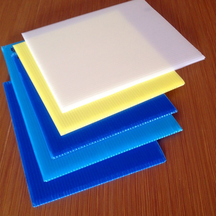 1.22x2.44m coroplast used for printing material