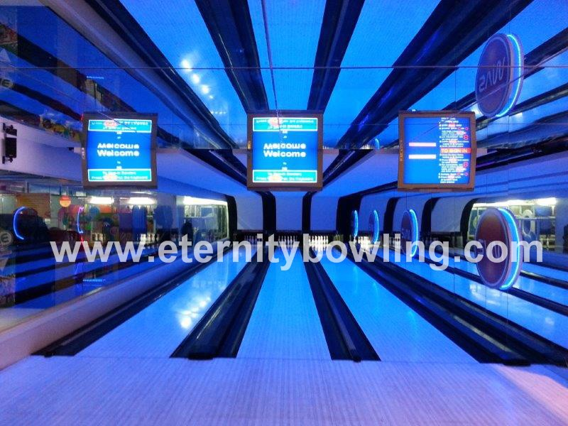 Bowling Center with 82-90 XL Bowling Machines