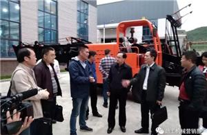 The main producing area of sugarcane - the mayor of Laibin City, Guangxi Province personally invited us to complete the whole cane combine harvester project