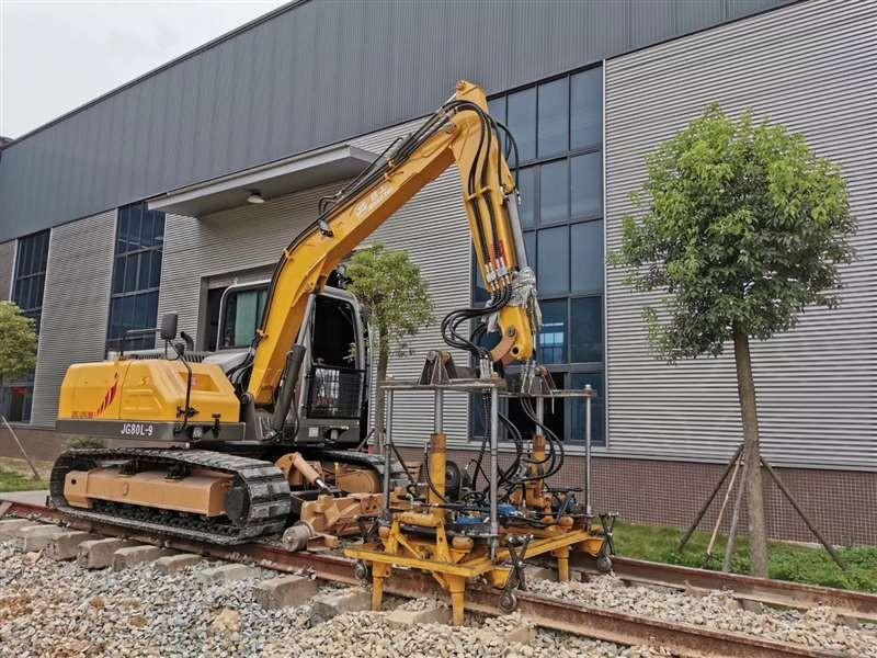 Ballast Tamping Machine Rail Road Tracked Excavator