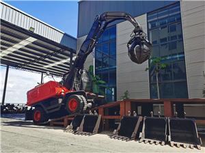 JG150Z Metal Scraps Orange Peel Grapple Excavator