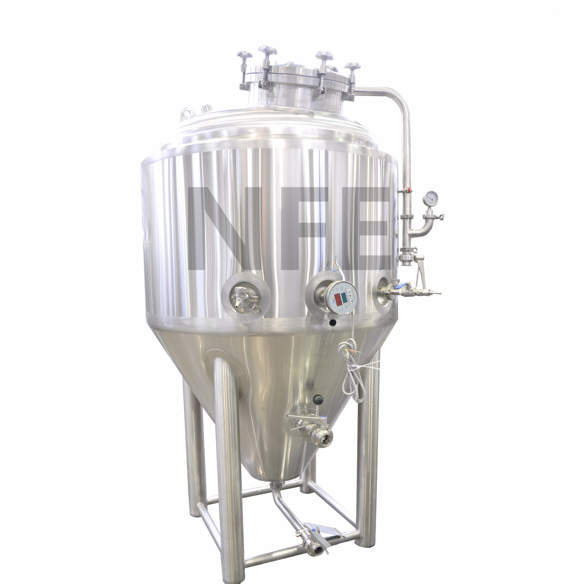 fermenter Fermenter main features: • 304ss with dual or multi zoned glycol jacket and insulated with 100mm chloride free pu insulation top manways offer superior sanitation and ease to add fining and hops to the vessel.