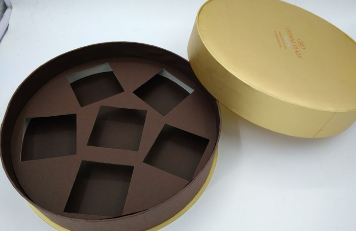 Chocolate boxes with inserts