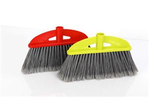 Light Sweeping Broom