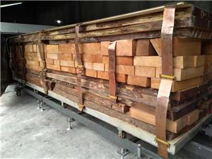 Mahogany dried to 6%MC by high frequecny vacuum dry kiln