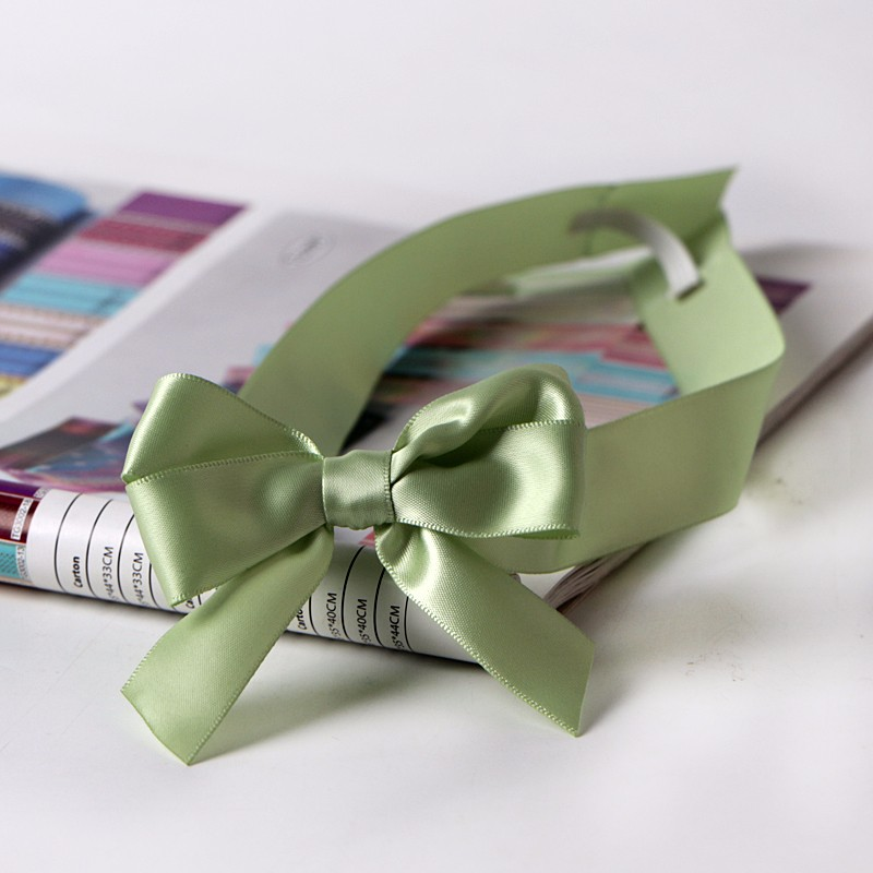 packaging ribbon bow