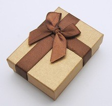 Personalized gift wrapping ribbon bows for gift box