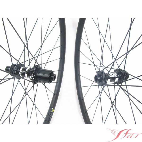 Mtb Carbon Wheels 29er Clincher 30mmx30mm With DT Swiss 350S Disc Hub Manufacturers, Mtb Carbon Wheels 29er Clincher 30mmx30mm With DT Swiss 350S Disc Hub Factory, Supply Mtb Carbon Wheels 29er Clincher 30mmx30mm With DT Swiss 350S Disc Hub