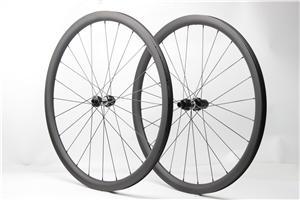 12mm Thru axle disc brake 35mm deep 28mm wide tubeless ready design 24H 28H carbon wheels