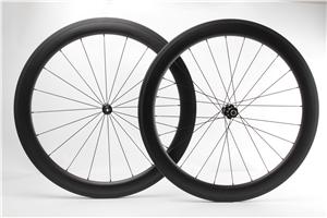 45mm deep 28mm wide Carbon Clincher Wheels tubeless compatible