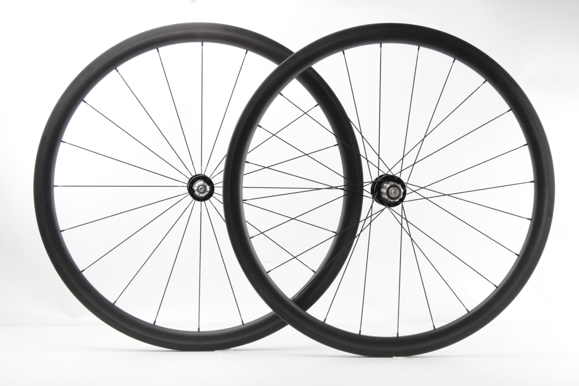 Chinese 700C carbon road wheelsets 38mm 25mm bicycle carbon wheels Chris King R45 hub and Sapim aero spokes, 1410g Manufacturers, Chinese 700C carbon road wheelsets 38mm 25mm bicycle carbon wheels Chris King R45 hub and Sapim aero spokes, 1410g Factory, Supply Chinese 700C carbon road wheelsets 38mm 25mm bicycle carbon wheels Chris King R45 hub and Sapim aero spokes, 1410g