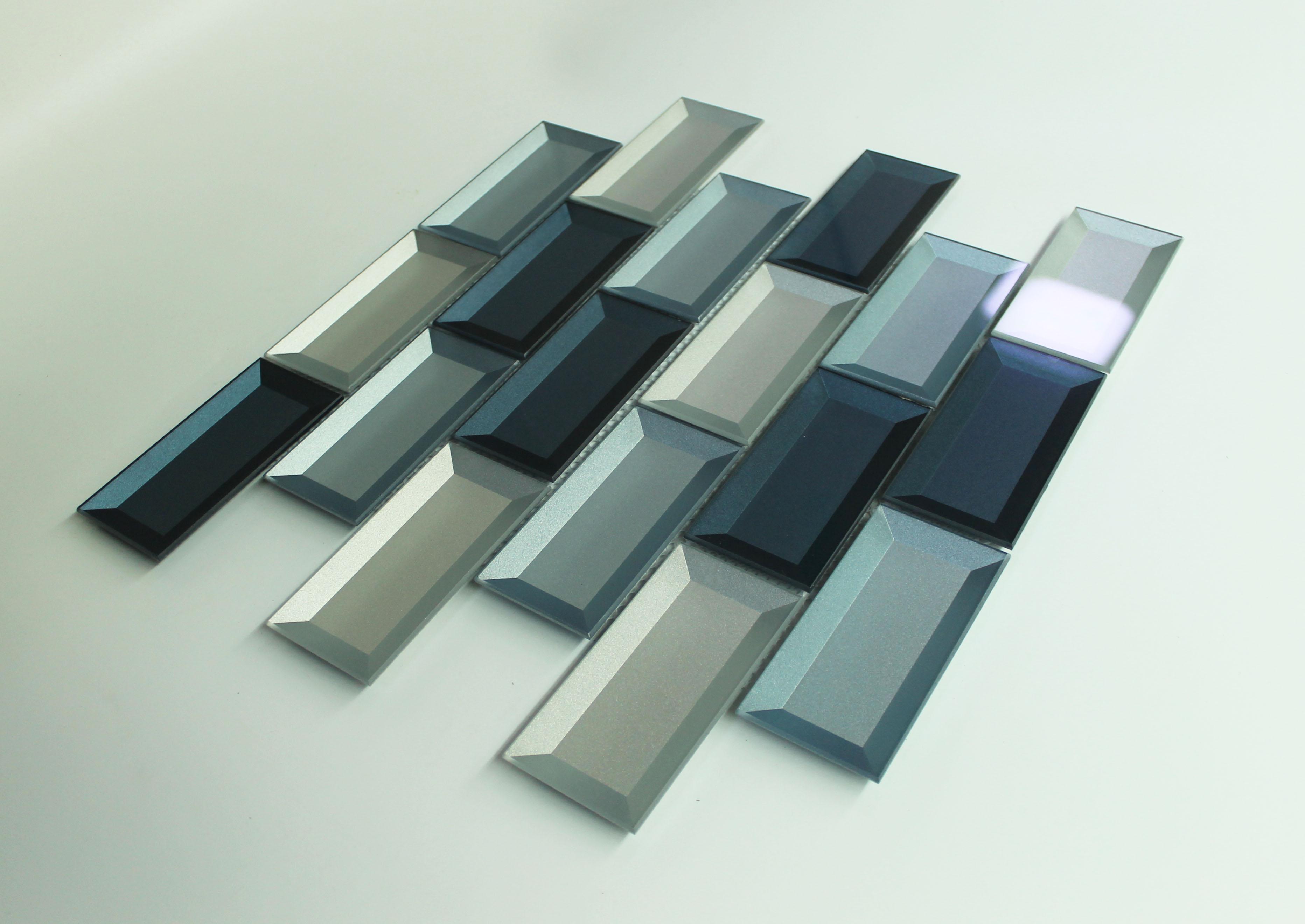 Piastrelle per bagno in mosaico di vetro prezzo basso piastrelle per