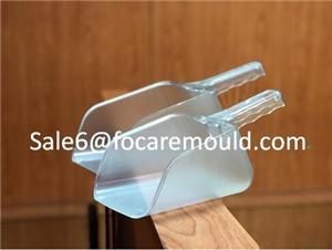 Plastic ice scoop injection mold