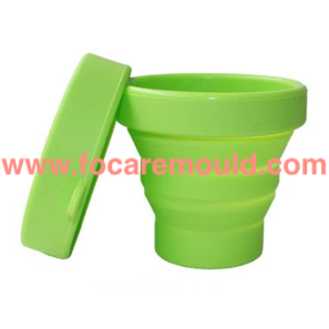 Two-color collapsible water cup plastic injection mold