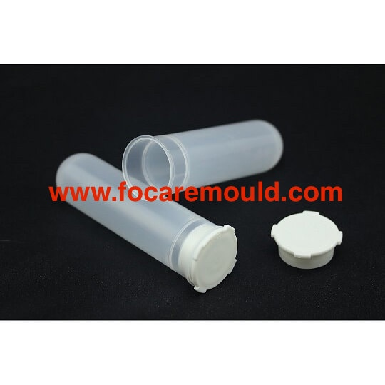 Disposable plastic centrifuge tube