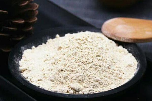 Le ginseng en poudre Pour le supplément