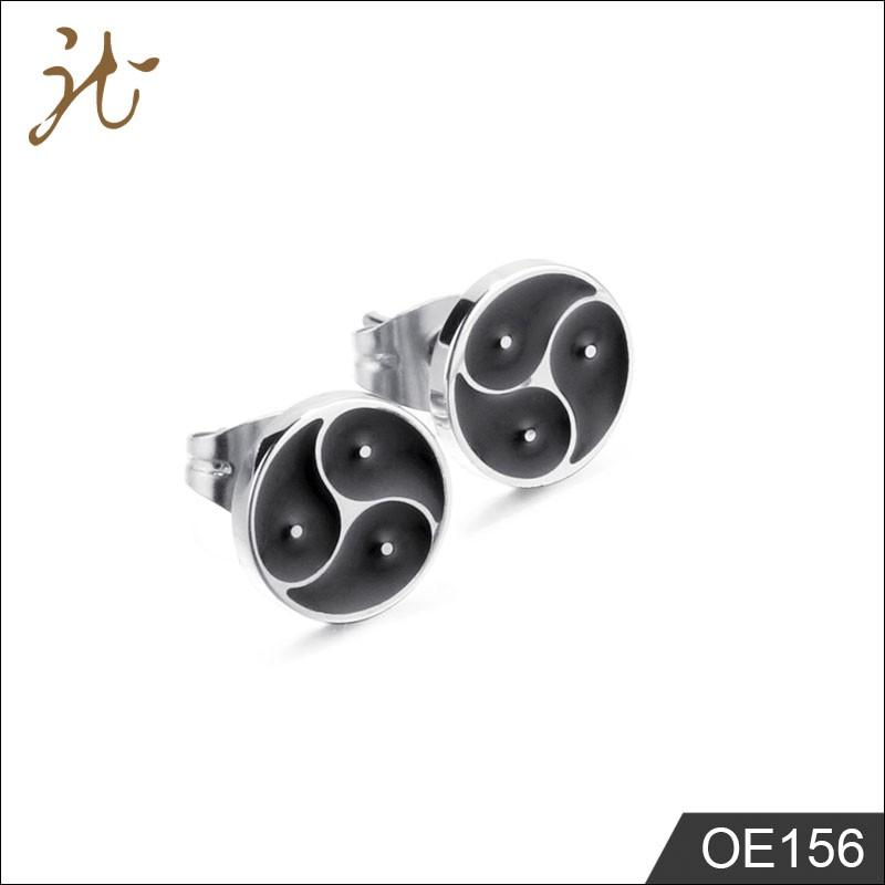 Traditional black earrings