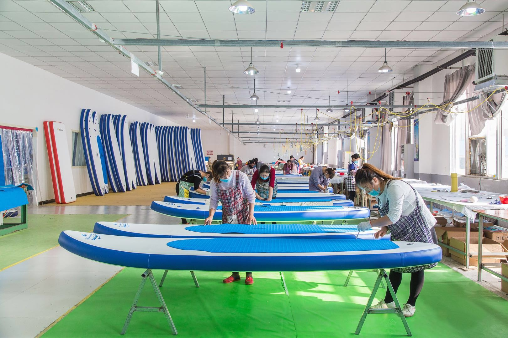 Inflatable Stand Up Paddle Board Production